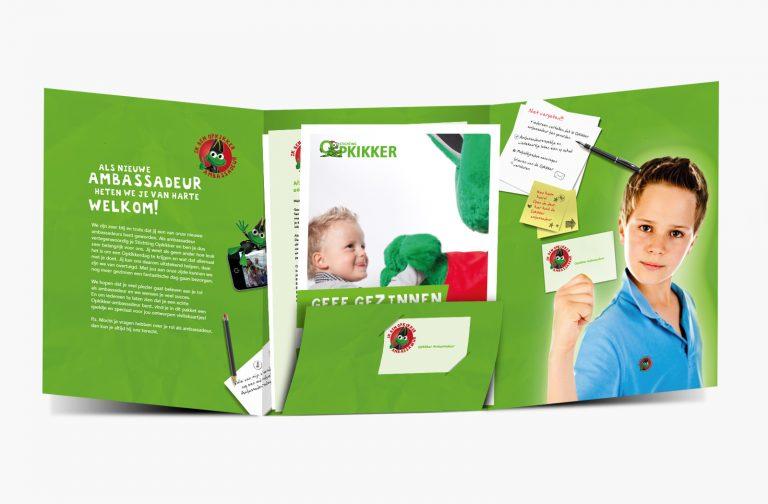 Stichting Opkikker ambassadeur map open
